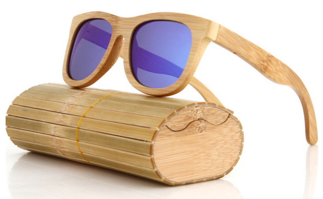 gafas de madera con su caja