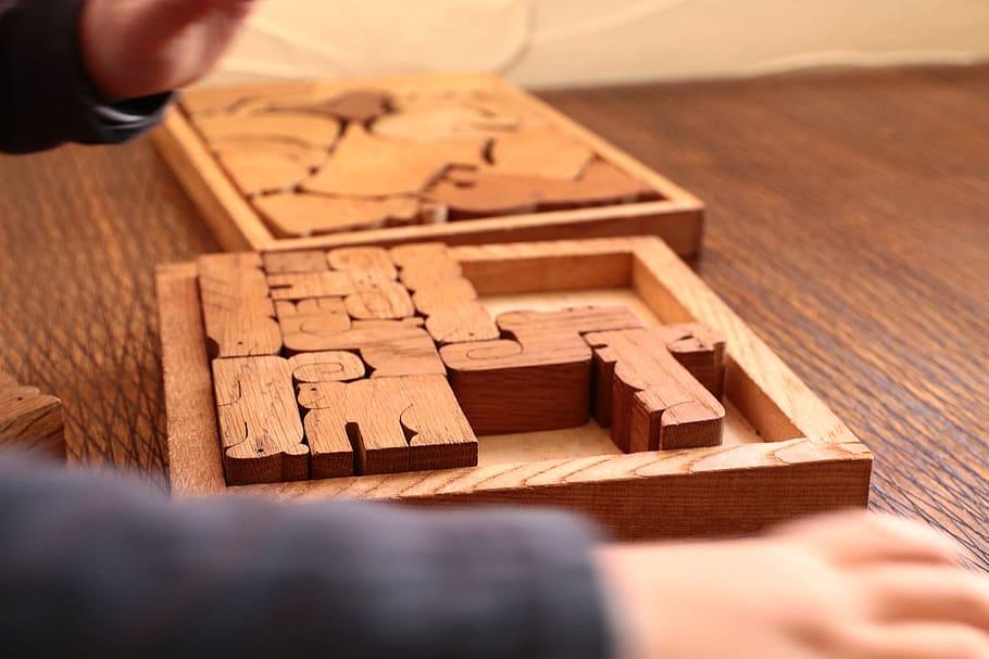 Puzzle de madera de estilo precolombino